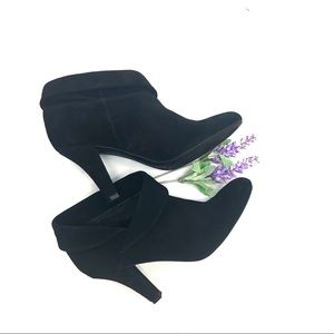Enzo Angiolini Black Suede Cuffed Ankle Bootie 8M